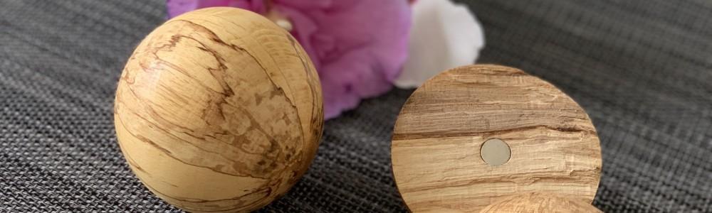 Holzkugel als Hochzeitsgeschenk